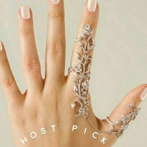 Jewelry - 💍HP💍Multiple Finger Stack Knuckler Ring Set